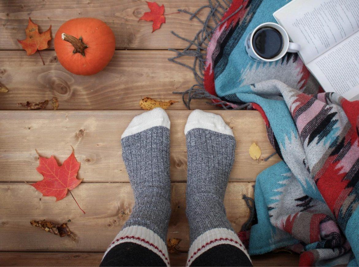 The Best Fall Essential Oil Blends to Get You Psyched For the Season